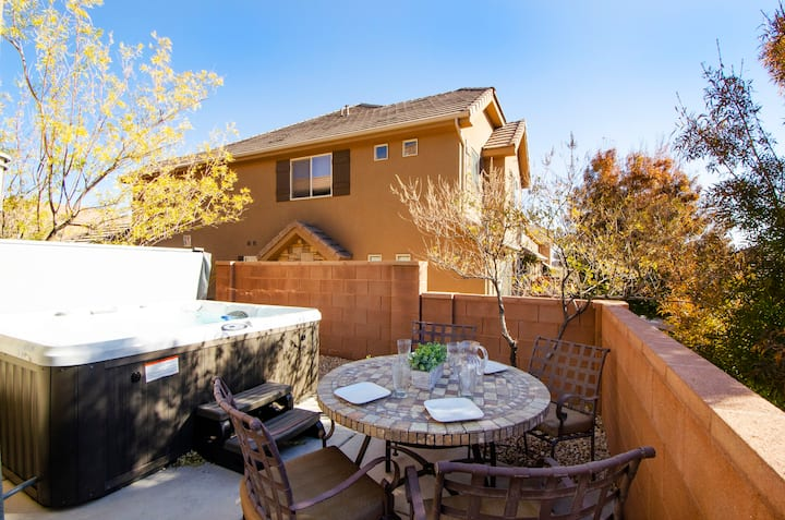 4194 Coral Ridge | Dog Friendly, Private Hot Tub, grill, Cable, Community Pool