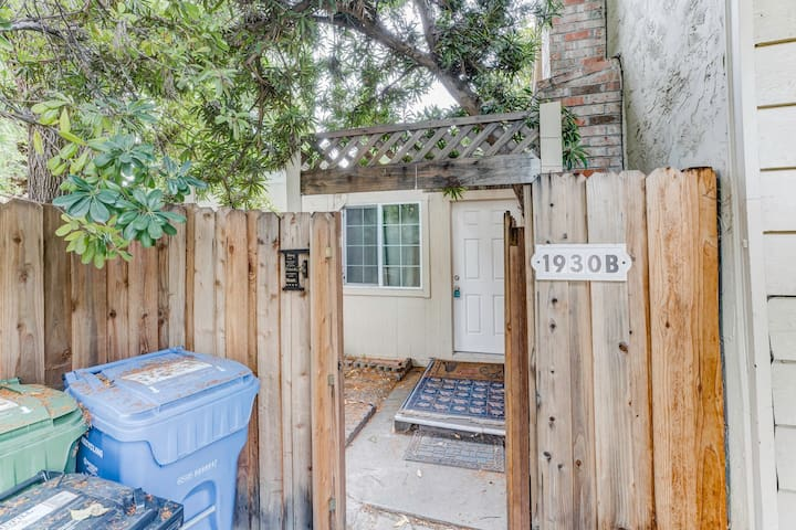 Cozy 1-Bedroom Home, 5min to Pleasant Hill BART