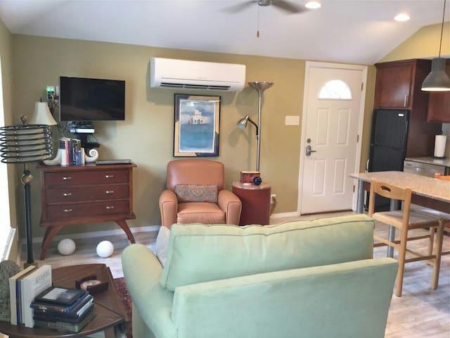 Detached Garage Apartment - Richardson - Wohnung
