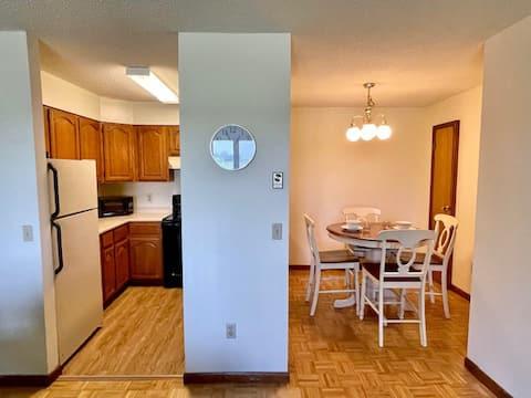 Apt#32 Large Upstairs 2 Bedroom Apartment