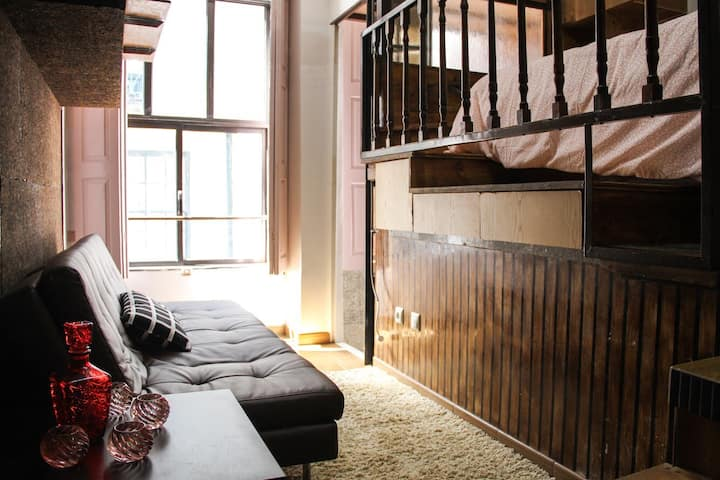 Cozy and very central Loft with self check in!