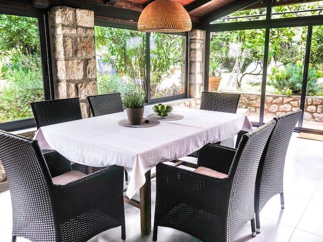 Casa Giardino -Peaceful Holiday Oasis by The Sea