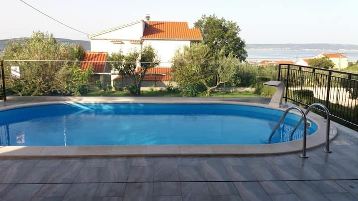 Apartment Dijana1 *with pool*near Split and Trogir