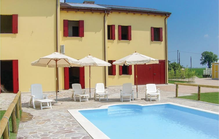 Holiday apartment with 1 room on 30 m² in Ariano Polesine (RO)