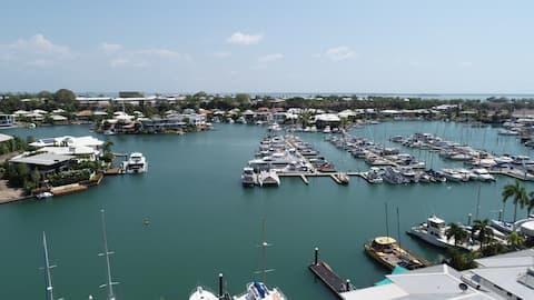 Spectacular Marina Views Apartment