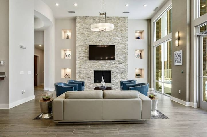 ★★ Fabulous LSU Condo by Muse's Place!!!★