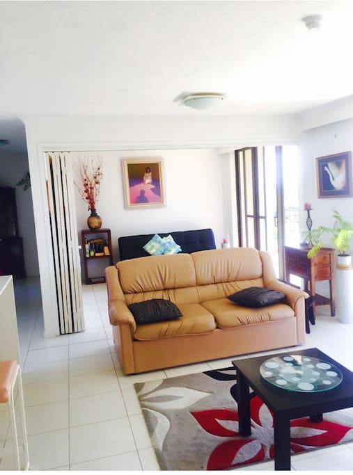 Entire 2 bedroom beach view apartment apartments for 2 bedroom apartments gold coast for rent