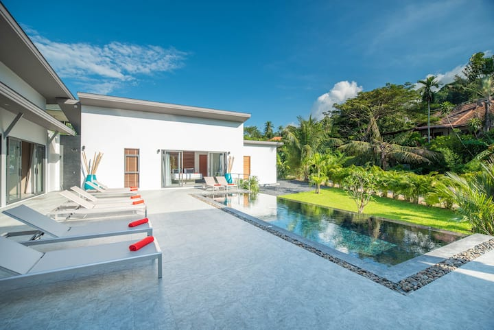 Villa Bai Saho 4BR - Private Pool & Walk to Beach