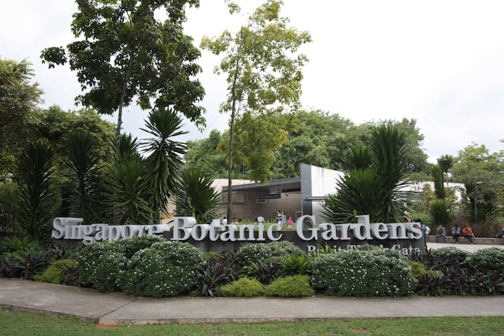 5mins to Botanic Garden - Studio in Old Walkup Apt - Singapur - Apartamento