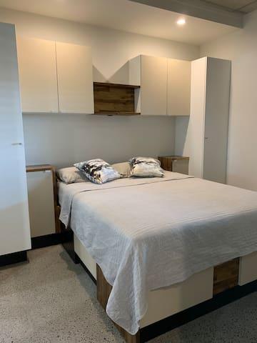 Comfortable, convenient one-bedroom apartment