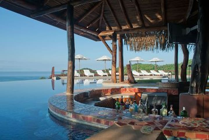 BREATHTAKING Private villa 5* Hotel Punta Islita