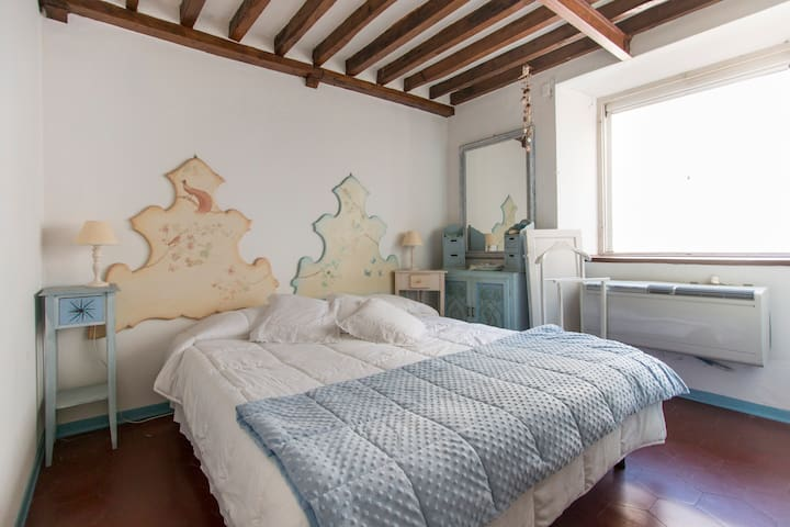 PETALODORO apartment in DUOMO Square - Pietrasanta