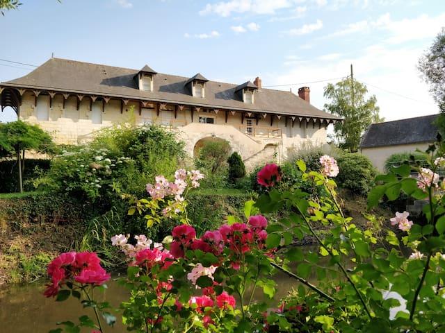 longère double suite parentale - vue Loire & parc