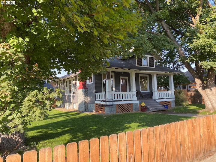 Winemaker's Bungalow close to downtown