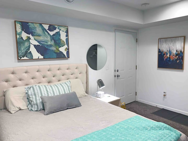 Studio apt perfect for traveling nurse or office