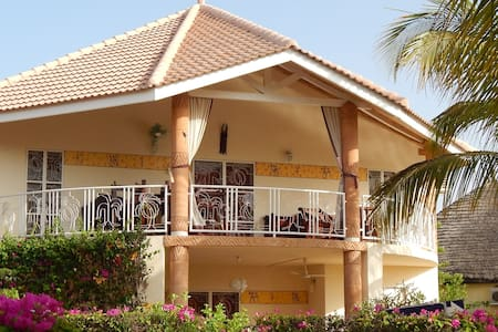 Lux. Villa 8 pers prox mer et golf. - Saly