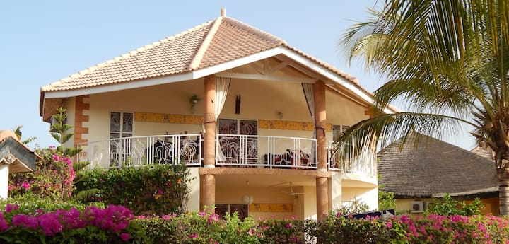 Lux. Villa 9 pers prox mer et golf.