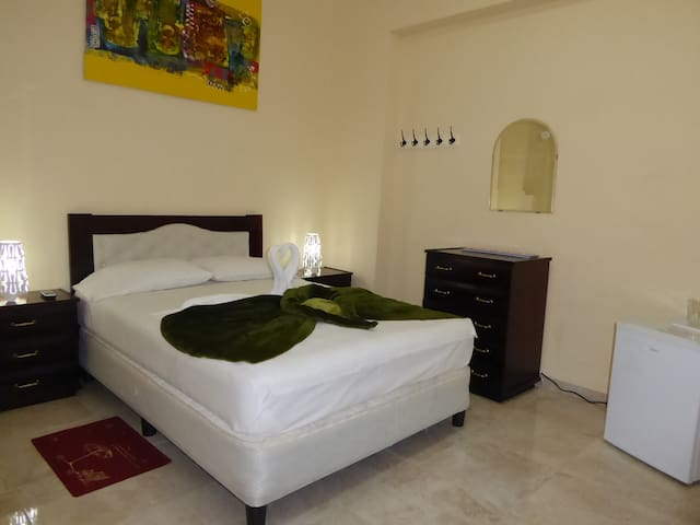 Modern and quiet room in Centro Habana