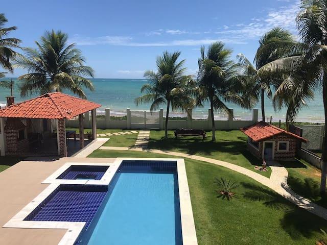 Ampla casa na beira mar de Maragogi