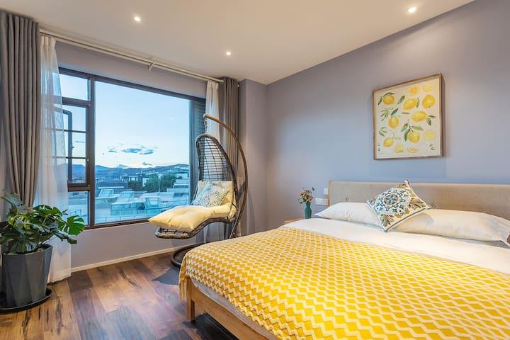 海景次卧 Lake view bedroom