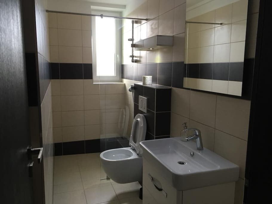 Kúpeľka je súčasťou každej hotelovej izby.