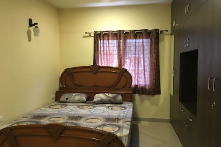 Empire private flat - Bangalore - Pis