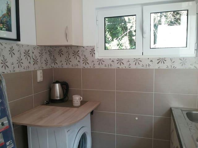 Маленький аппартамент на двоих - Njivice - Apartamento