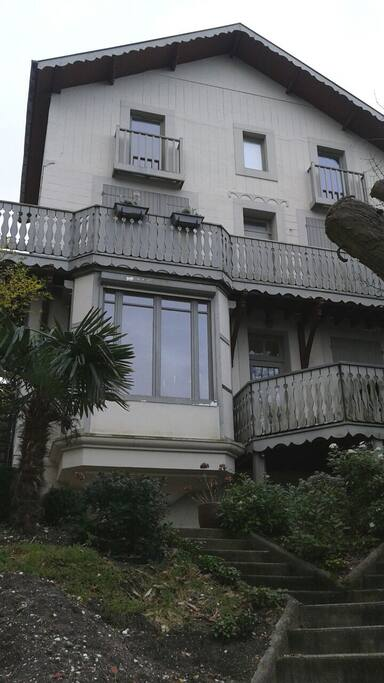 Bel appartement atypique appartements louer le for Location appartement atypique 92