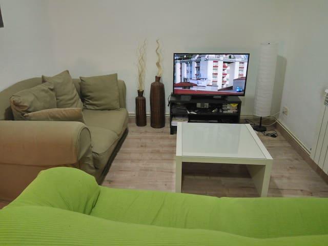 Acogedor piso cerca de Goya, en zona muy tranquila - Madrid - Casa