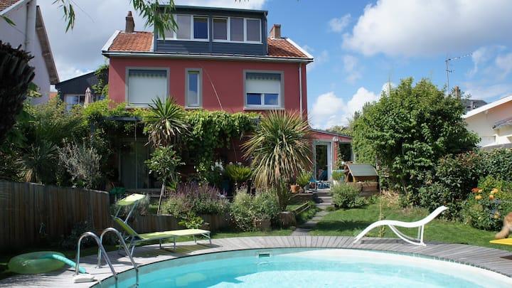 Duplex, jardin, piscine chauffée