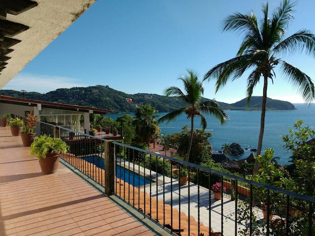 VISTA HERMOSA HOUSE, Room 1  (2 guests) - Zihuatanejo  - Ev