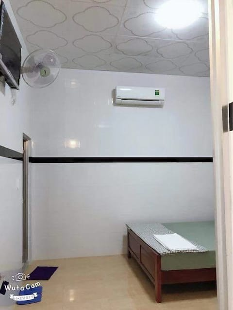nhà nghỉ Thanh Tùng số đt:0907967425