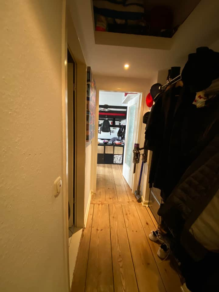 Cozy & Nice flat in Friedrichshain (1-23.05)