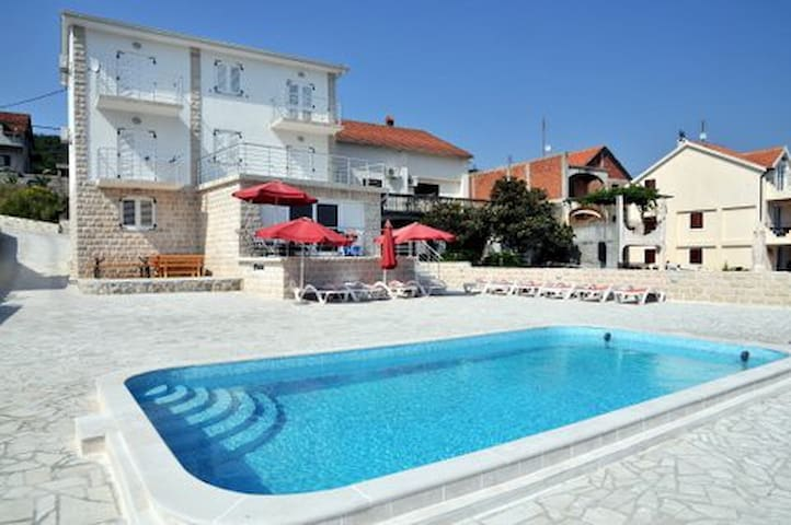 Apartment Tamaris with terrace and sea view - Tivat - Pis