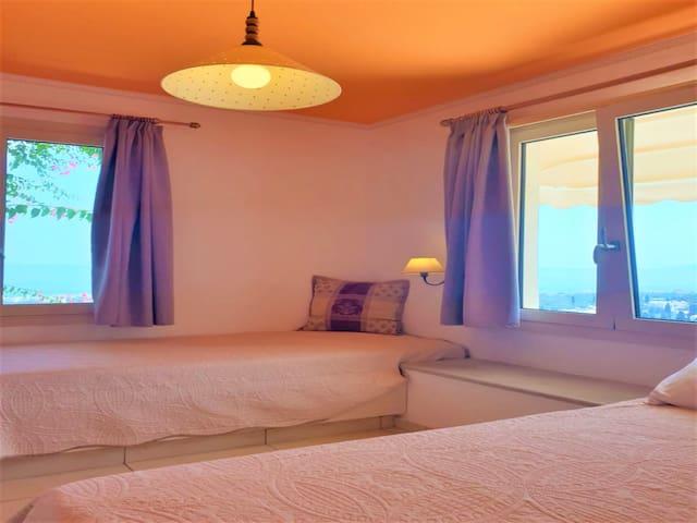 1st bedroom sea view