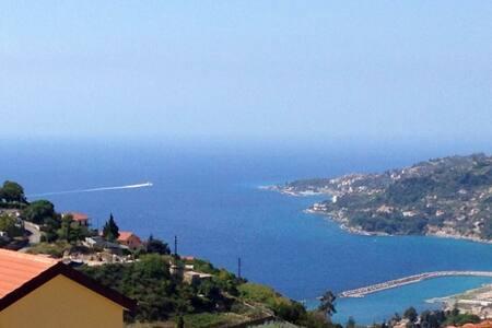 """""""La Colla"""" Riviera dei Fiori - Hills of Sanremo - Sanremo - Haus"""