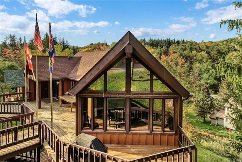 Just steps away from Holimont's Clubhouse and an easy walk to Ellicottville village.