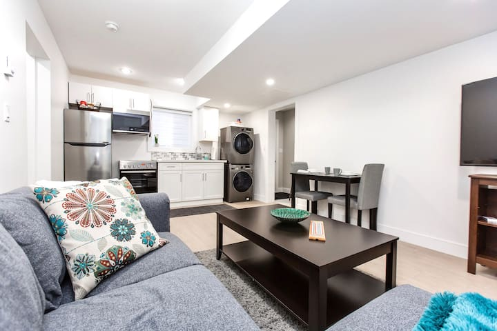 BRAND NEW COZY SUITE 15 MINUTES FROM DOWNTOWN