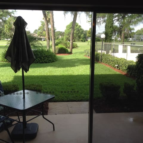 Golf Course Townhome - Sebring - Apartament