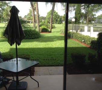 Golf Course Townhome - Sebring