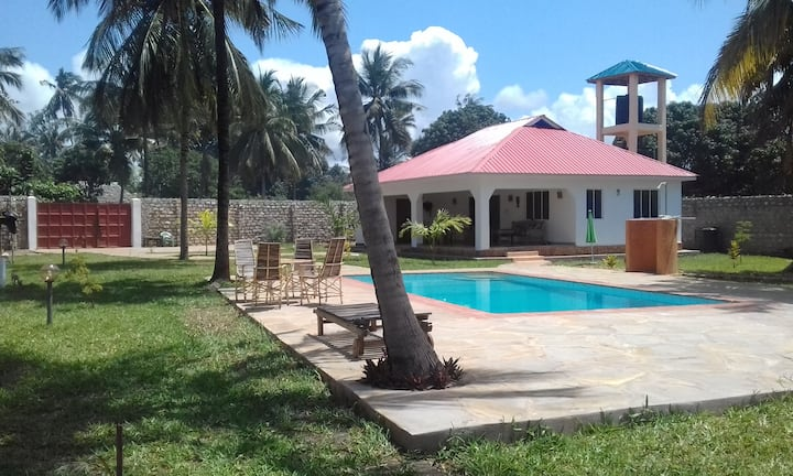 "Private and quiete  cottage ""Amani""  for 4 persons"