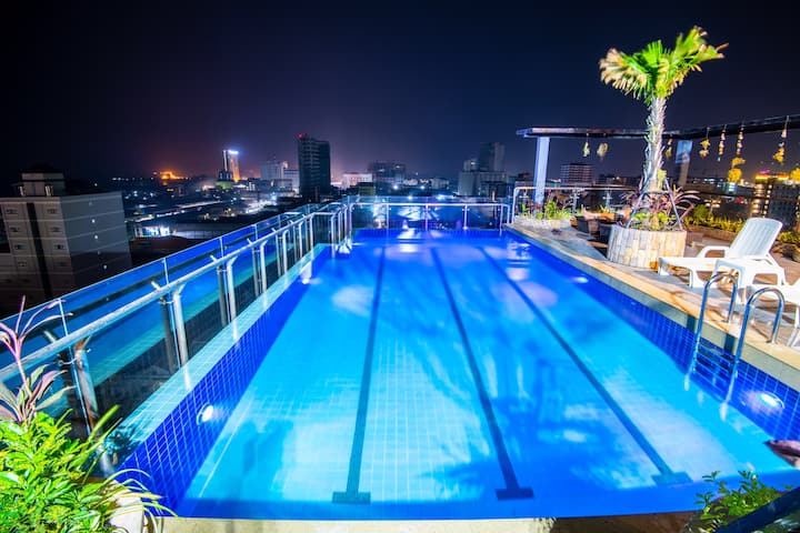 Luxury Double Room with Rooftop Pool