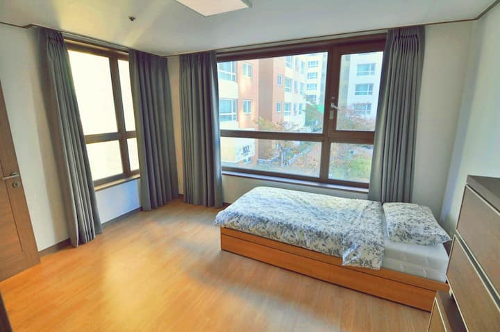 TheONE ShareHouseApartment(10 Min Hongik Univ Stn)