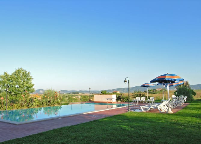 Tuscany and Umbria, With Pool | Olivo-Mirto-Alloro
