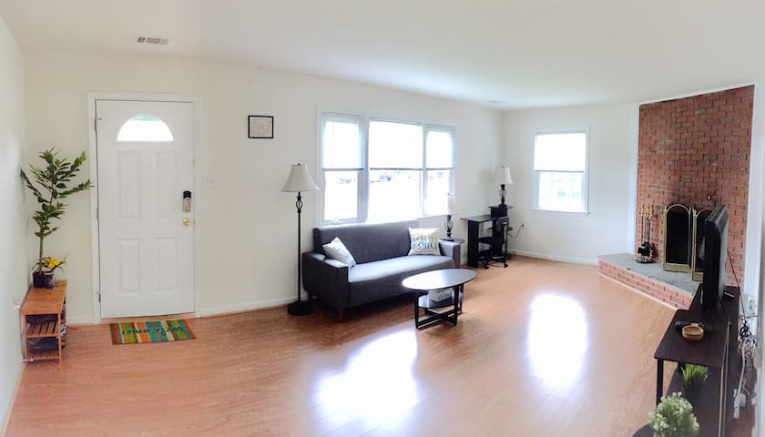 Spacious room in a quiet beautiful town