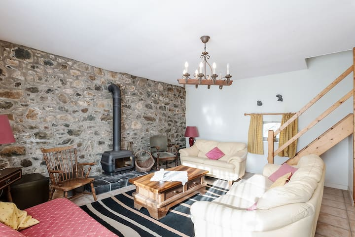 Flawless Holiday Home in Chapelle Neuve with Swimming Pool