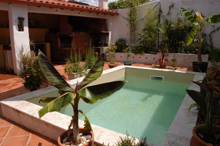 Studio with private pool,lovely courtyard garden