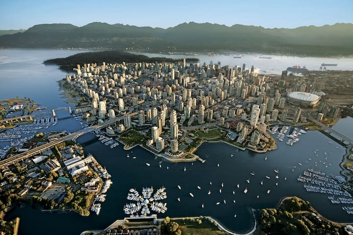 NEW! Amazing Studio With The Marvelous City View! - Vancouver - Apartament