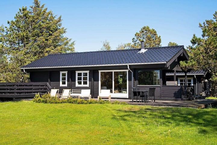 Peaceful Holiday Home in Højby near the Beach