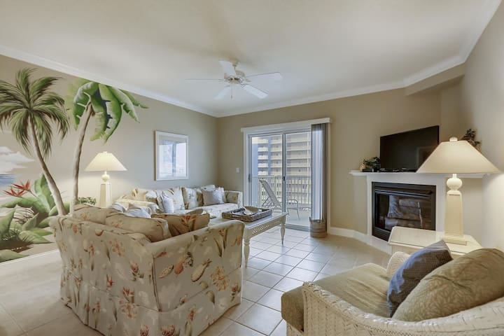 Ocean Palms 402 - Pool, Great Mid-Town Location!